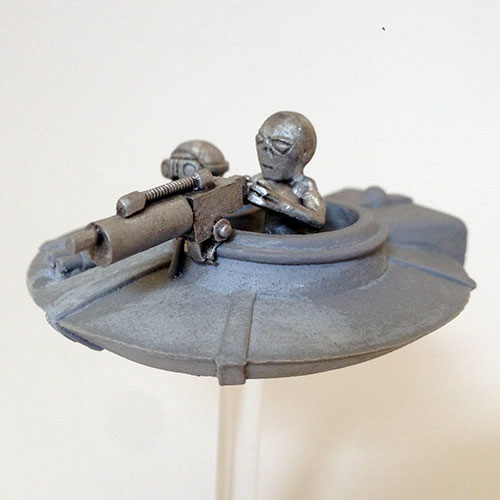 Grey-Flying-Saucer---Gunner-Side