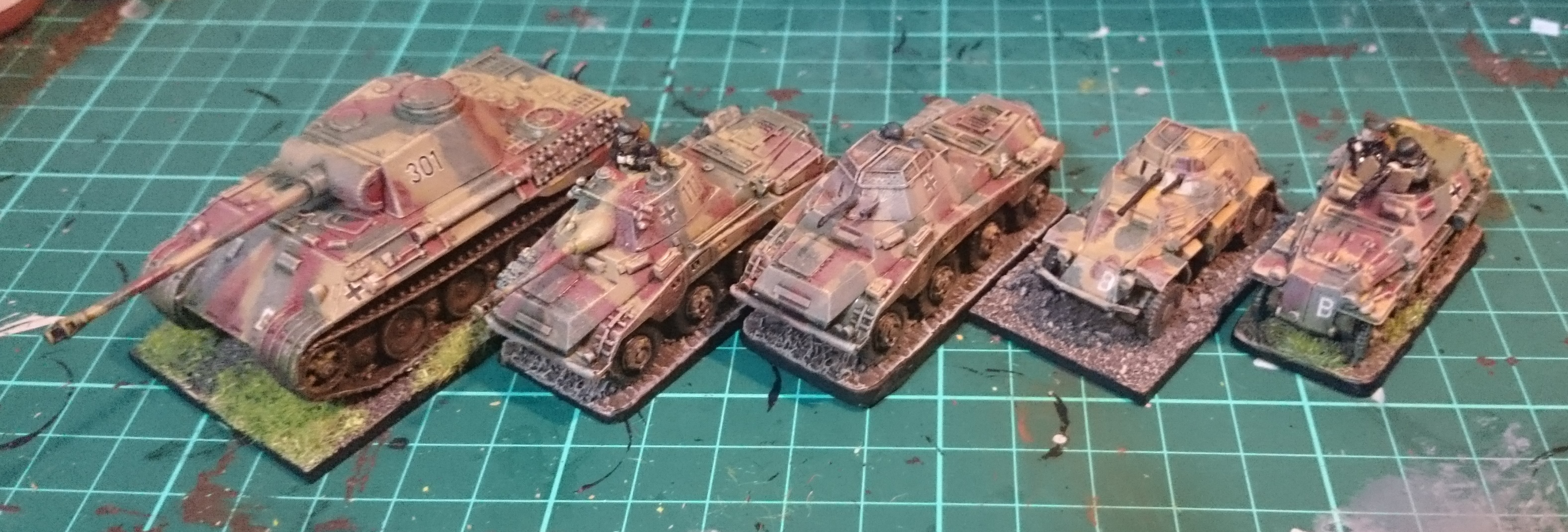 Painting WW2 German 15mm Armour – Red Devils in the Night